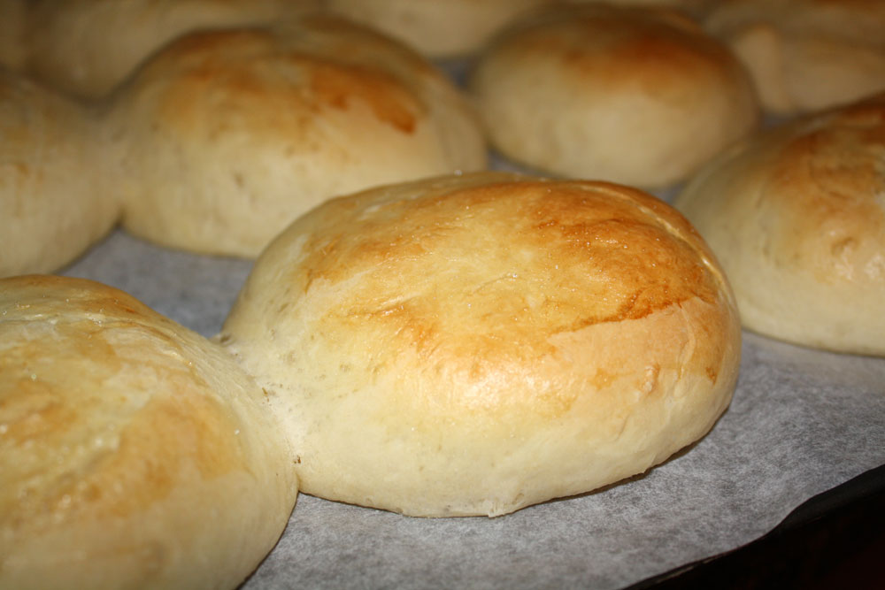 Best hamburger buns to start the grilling season
