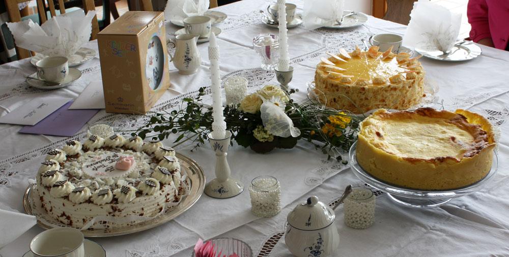 Mackenzie christening cake 02