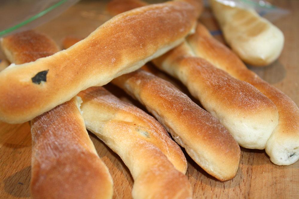 Making garlic breadsticks the easy way