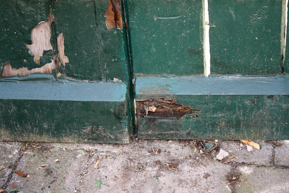 gate repair before right