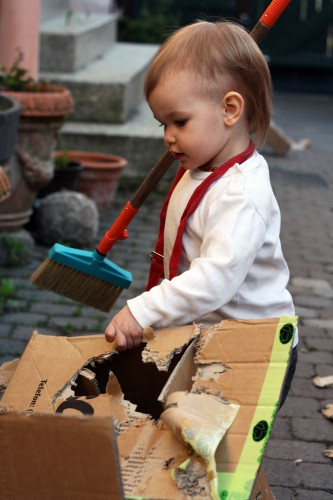 kids cardboard boxes