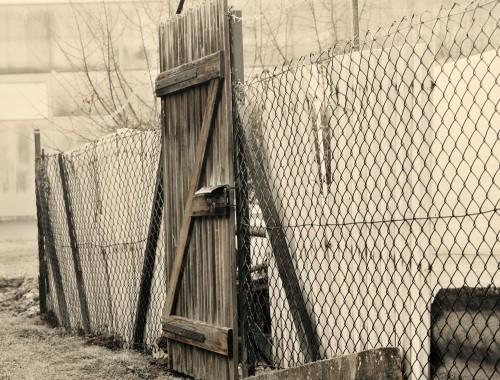 youcapture doorways wooden gate