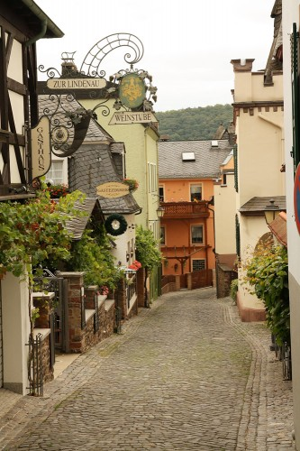 rudesheim empty alley