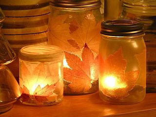 fall-leaf-candle