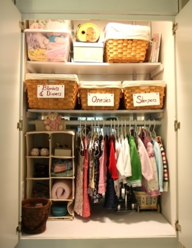 Source: http://sharonscrapbook.blogspot.com/2011/06/baby-nursery-ideas.html