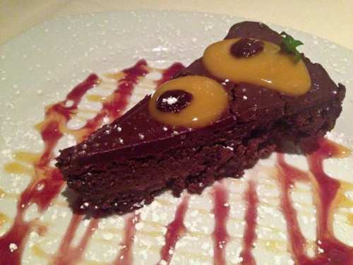 5th-avenue-naples-fl_chocolate-cake
