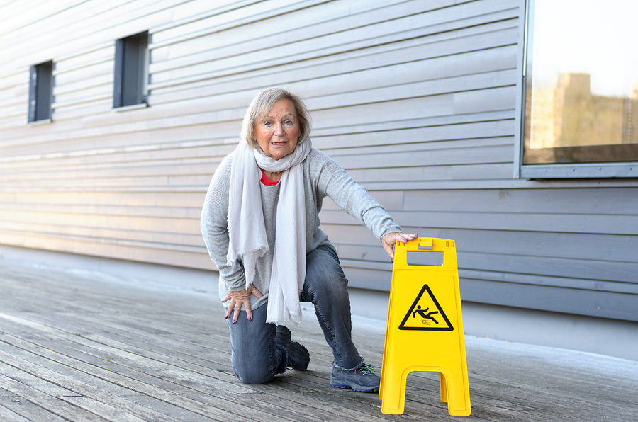 6 Factors That Increase the Risk of Falling for Senior Citizen