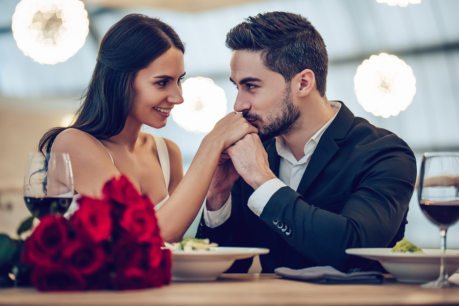 4 special ways to surprise your partner on your anniversary