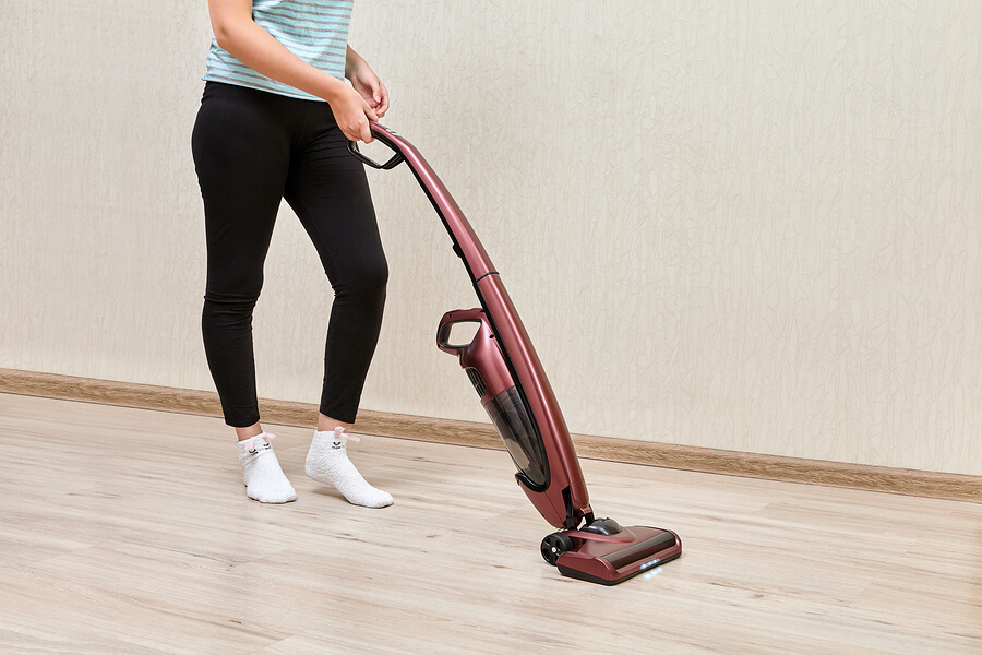 How to Choose a Cordless Electric Vacuum for Your Home