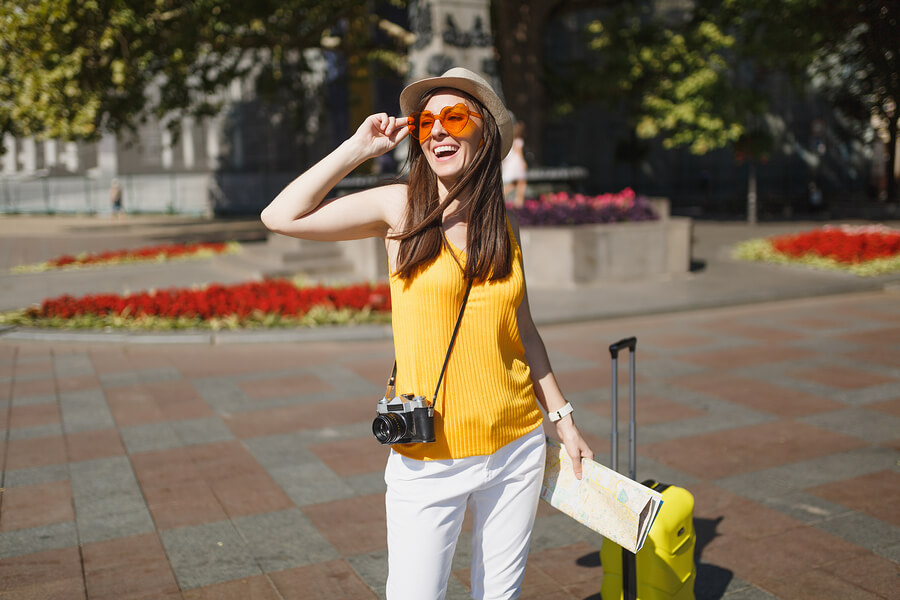 How to not look like a tourist when abroad