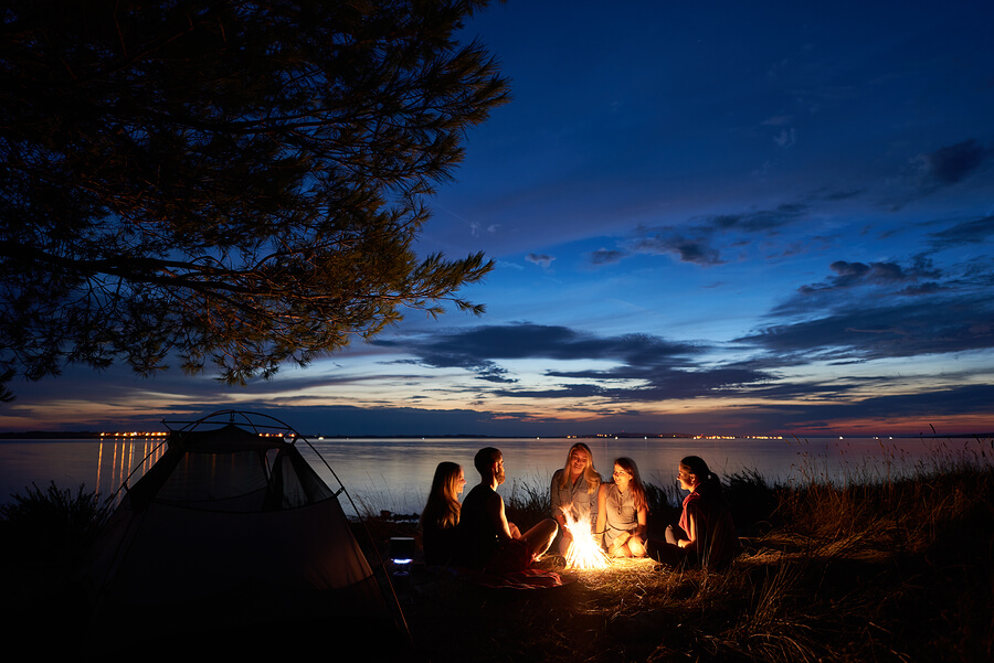 Sleeping Under Stars – A Campers Guide to Outdoor Shut-Eye