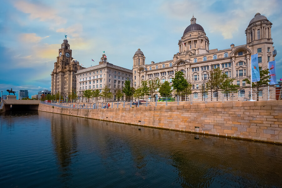 Reasons why people move to Liverpool