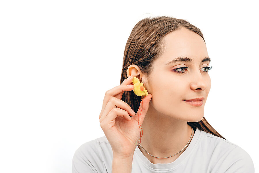 Can earplugs help me sleep?
