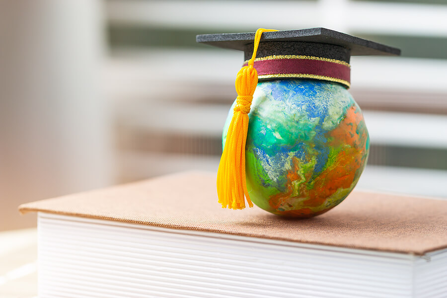 First Year Abroad in College? Here Are Our Top Tips