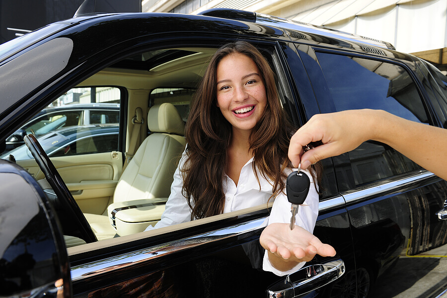 How to Pick the Best Priced Car in Oman