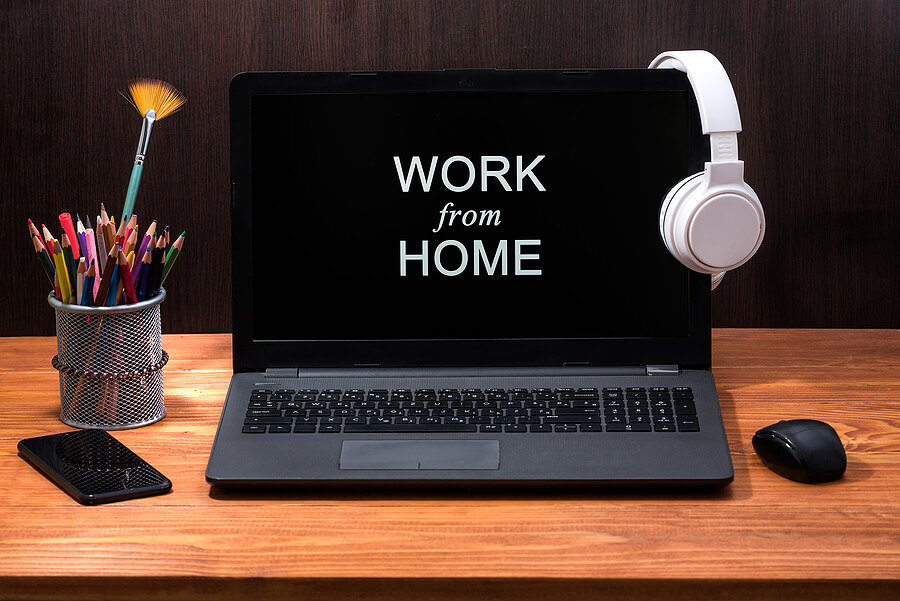 4 Ways Working From Home Can Put Money Back into Your Pocket