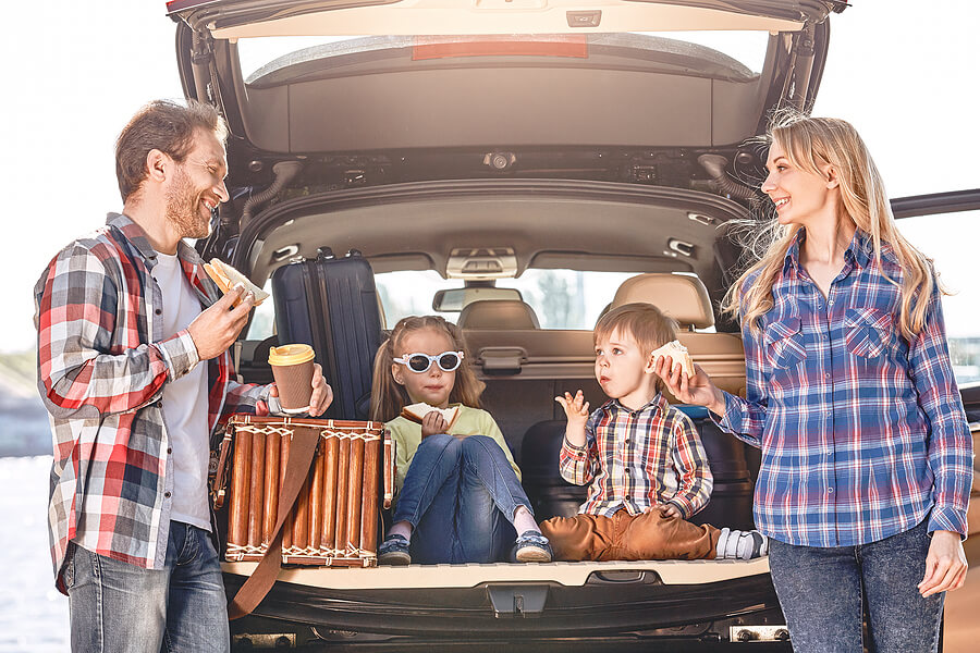 3 Quirky Last-Minute Things to Pack for Your Family Trip